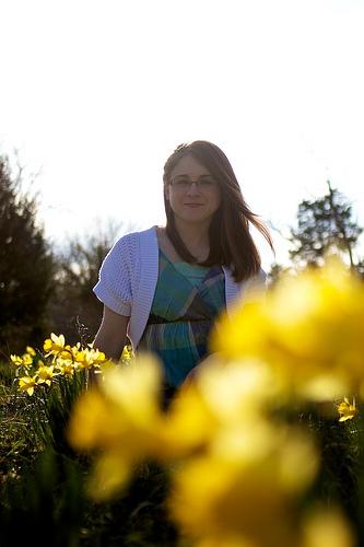 Mindy & Daffodils 12