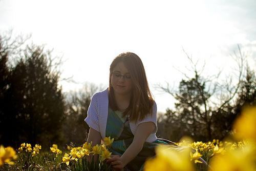 Mindy & Daffodils 17